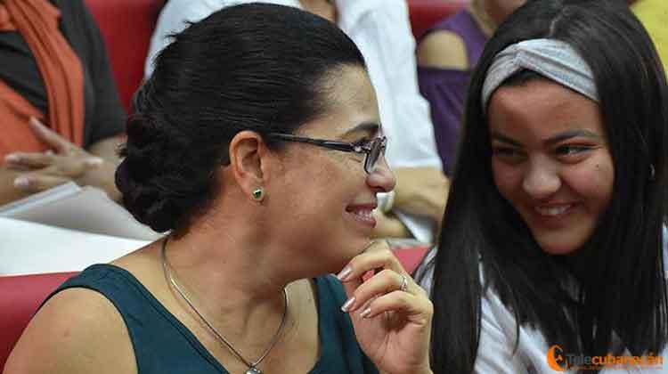 Adriana, la eterna Amada, también compartió con las nuevas generaciones de cubanas.