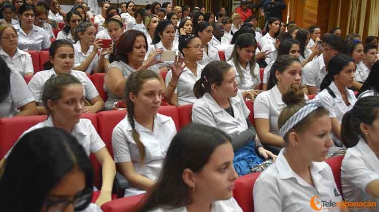 Ante el alumnado de la UCM de Villa clara, los Héroes cubanos recibieron también el homenaje de las nuevas generaciones.