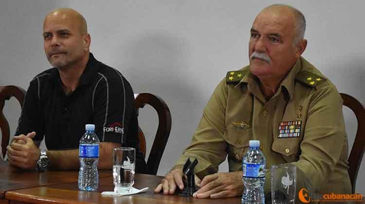 Los héroes de la República de Cuba Gerardo hernández Nordelo y el Coronel Orlando Cardoso Villavicencio evocarone n Santa Clara la figura del Comandante Fidel Castro.