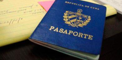 Minrex: Cubanos residentes en el país podrán retornar con pasaporte vencido y sin prorrogar