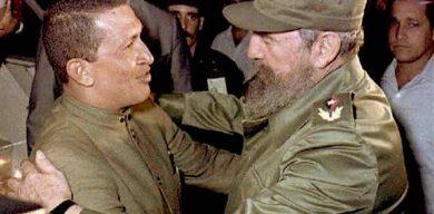 Fidel y Chávez, su primer abrazo