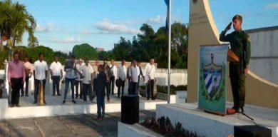 Homenaje a los mártires caídos