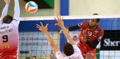 Marlon Yant demuestra su talento en voleibol francés