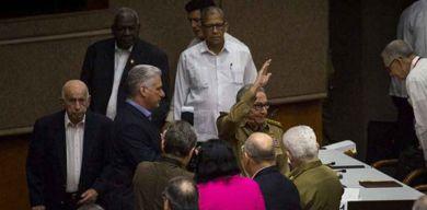 Raúl y Díaz-Canel asisten a cuarto período ordinario de sesiones de la Asamblea Nacional en su IX Legislatura