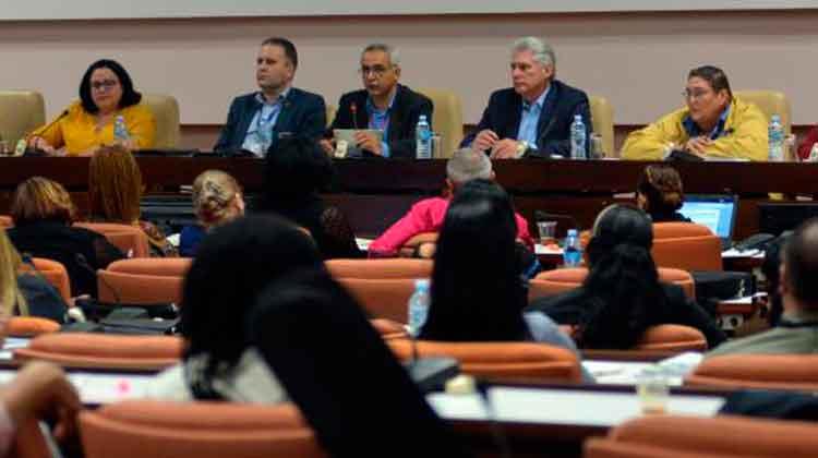 Hay que crear una cultura de conservación de la memoria histórica, reflexionaron los diputados con la presencia del Presidente Foto: Juvenal Balán