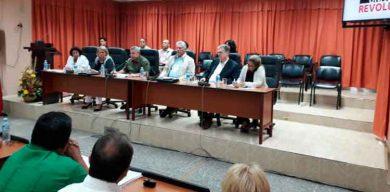 Participa Díaz-Canel junto a los trabajadores en el proceso de discusión del Plan de la Economía 2020