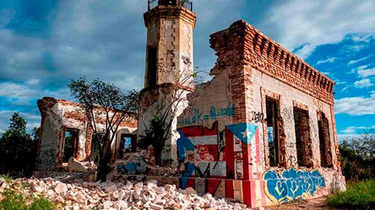 Las ruinas del faro de Guánica quedaron totalmente destruidas. Foto: Ricardo Arduengo/AFP.