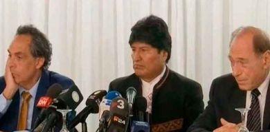 Evo Morales presenta su equipo jurídico para enfrentar ataques del Gobierno de facto