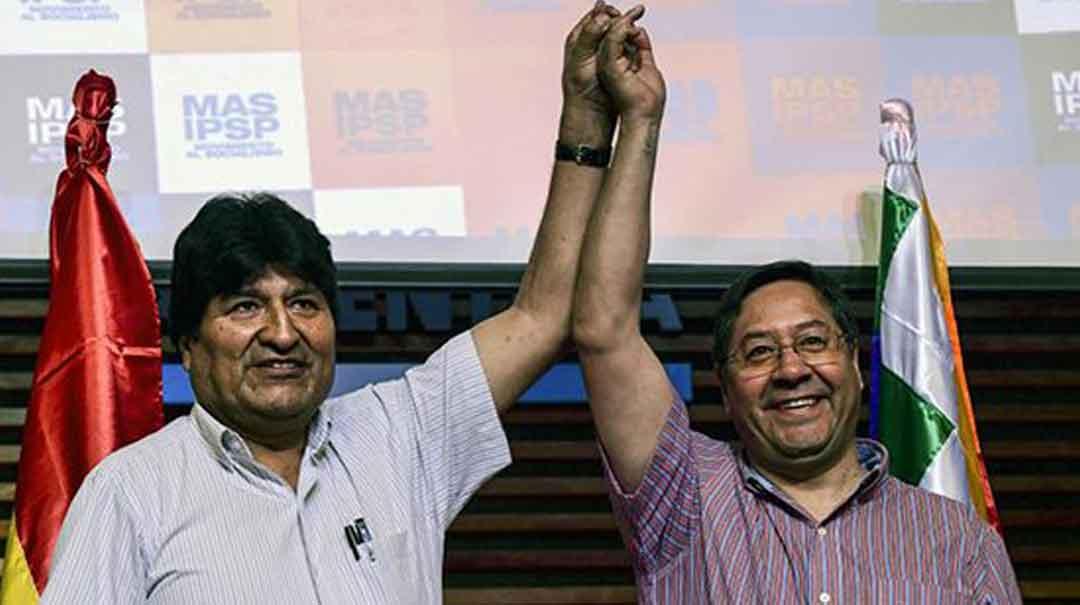 Evo junto al nuevo candidato presidencial del MAS. Foto: Página 12