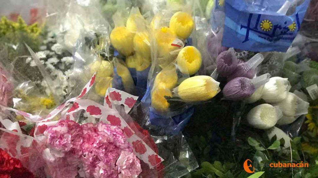 Cada arreglo floral esconde horas de un minucioso estudio e interpretación de la persona, hecho o fecha señalada.