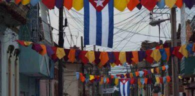 Banderas cubanas para recibir el año