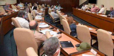 Cuba trabaja sin descanso para enfrentar la COVID-19
