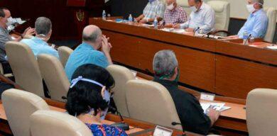 Insiste Díaz-Canel en la necesidad de actuar con cooperación, disciplina y responsabilidad