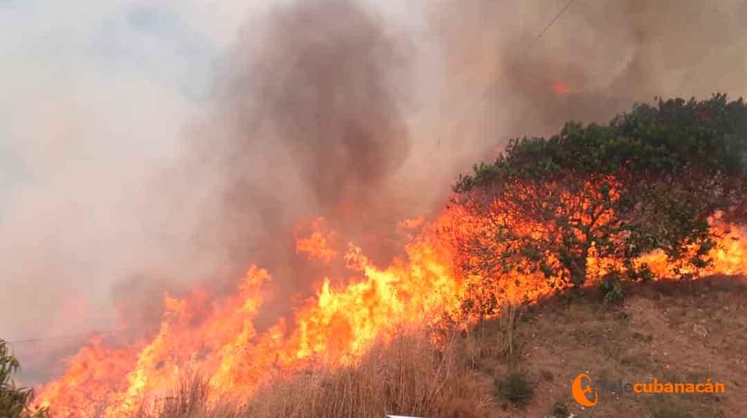 Santa Clara ante la presencia de las llamas