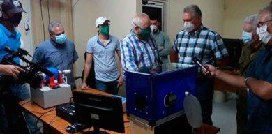 Intercambia Díaz-Canel con científicos cubanos en primera línea del enfrentamiento a la COVID-19
