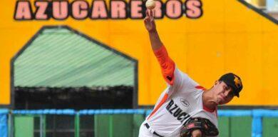 Equipo Villa Clara de béisbol comparte la cima en Cuba