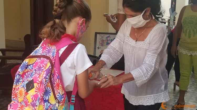 pionera manos desinfeccion